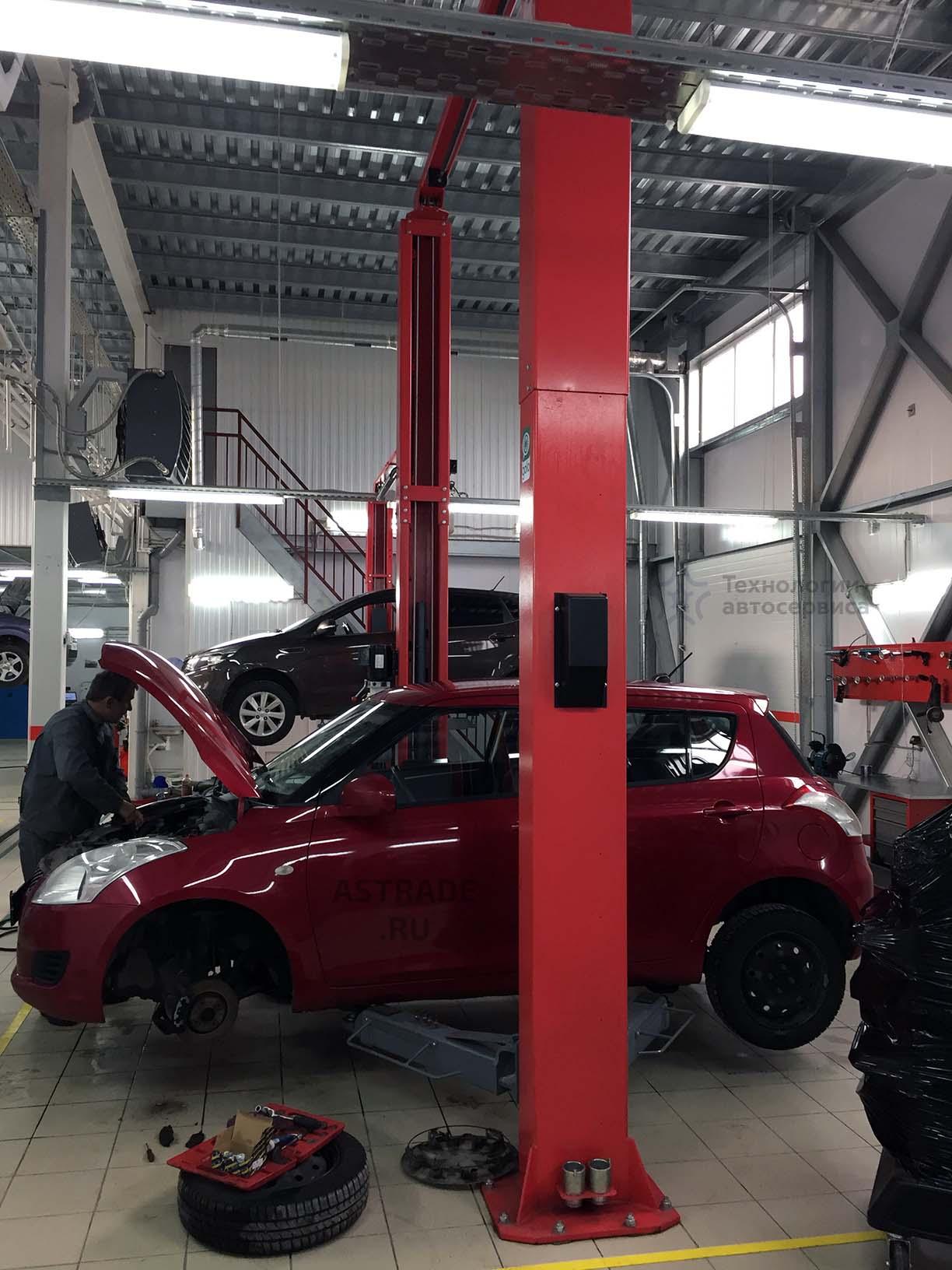 Работа с малыми легковыми автомобилями на пятитонном подъемнике Launch TLT-250ATC